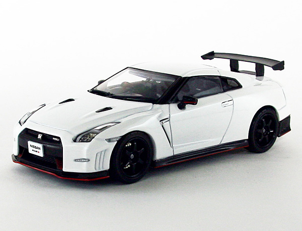 1/43 45162 NISSAN GT-R NISMO N Attack Package (ブリリアントホワイトパール) *
